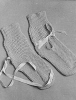 vintage bed sock knitting pattern in 4ply