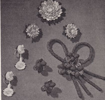 vintage ladies jewelry crochet